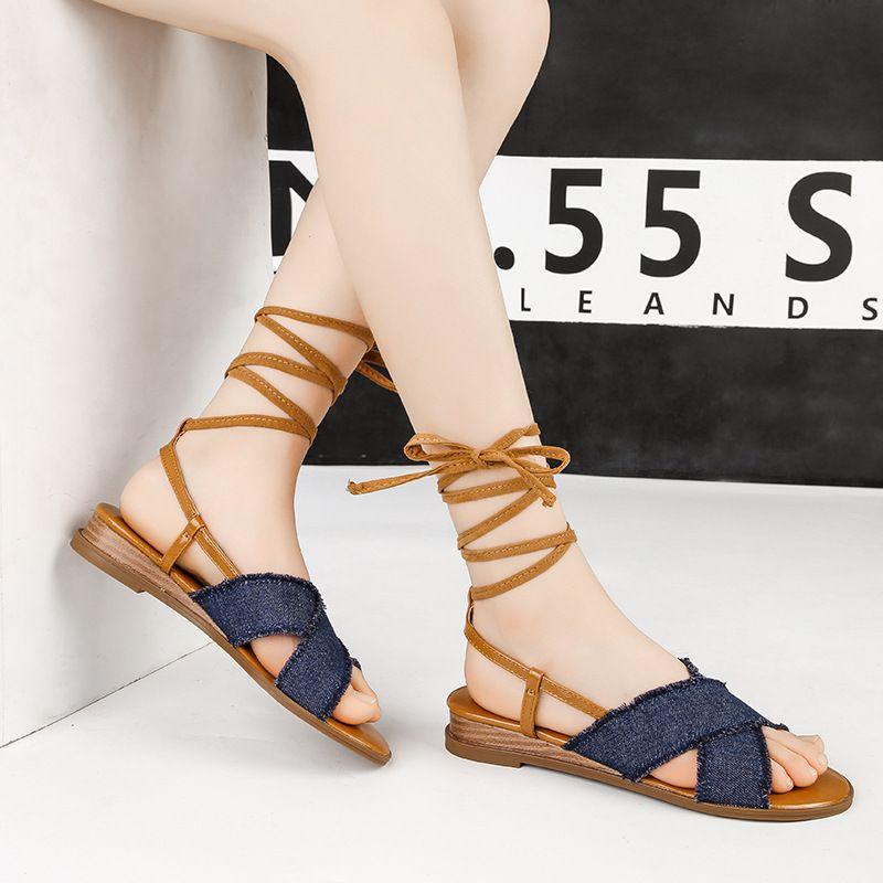672132776b Compre Moda Nueva Open Toe Bandge Con Cordones Sandalias Planas Mujer Denim  Shoes Summer 2019 Casual Sandalias De Playa Plataforma Para Mujer Sandalia  A ...