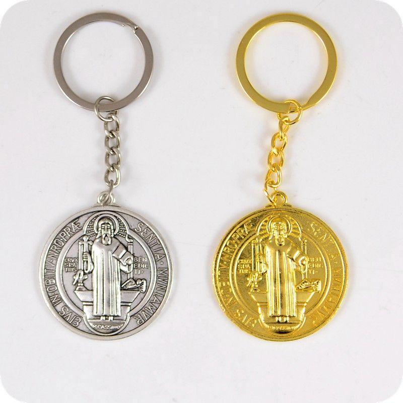 132c89c9446 Compre Medalla De San Benito Llaveros Católicos Ortodoxos Cristianos Moda  Joyas Religiosas A  38.04 Del Huazu