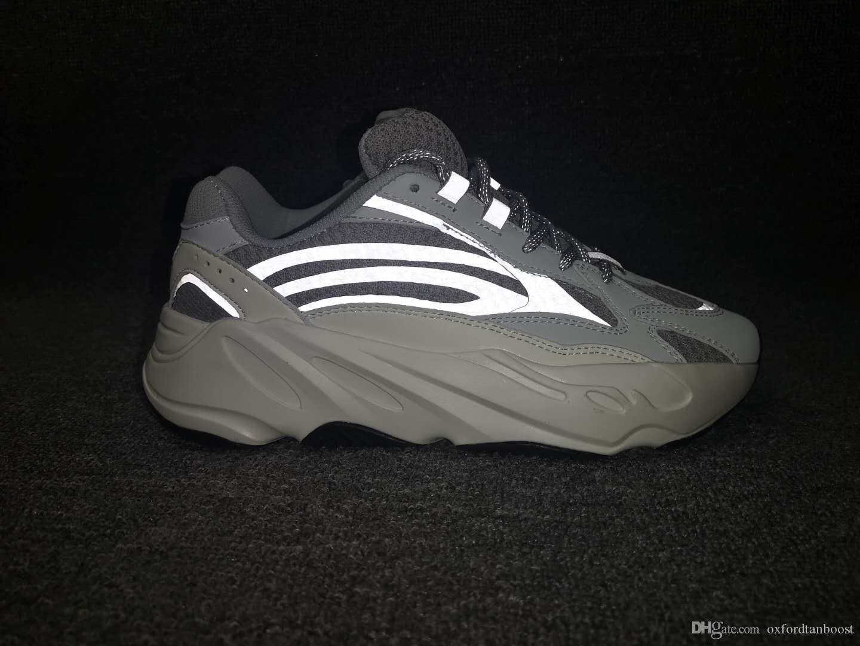 new styles bc547 ea81f Acquista 700 V2 Static Reflective Runner Mauce Scarpe Da Corsa Uomo Donna  Chaussures Designer Old Dad Scarpe Kanye West X Scarpe Da Ginnastica  Sportive 36 ...