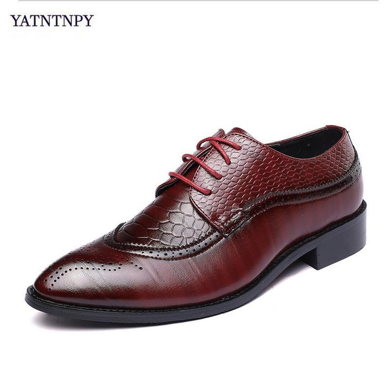 76c87b64f1406c Acheter YATNTNPY Big Siae Nouvelle Marque Brogue Chaussures Hommes PU  Chaussures En Cuir Homme Bullock Sculpté Bout Pointue Oxfords Robe De Mode  De $81.05 ...