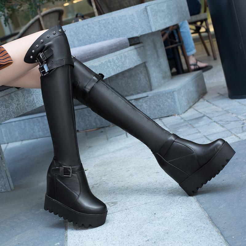 b9ba729cf Compre Plataforma Cuñas Tacón Alto Cuero Elástico Mujer Rodilla Botas  Hebilla De Felpa Plantilla Botas Botas Largas De Mujer Levantar Zapatos 10  Cm A  47.42 ...