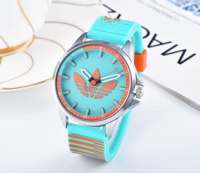 493768a61ac8 2019 Famoso diseñador de lujo mujeres dz relojes de moda vestido damas  delsels reloj hombre oro relojes dw famosas dropshipping88