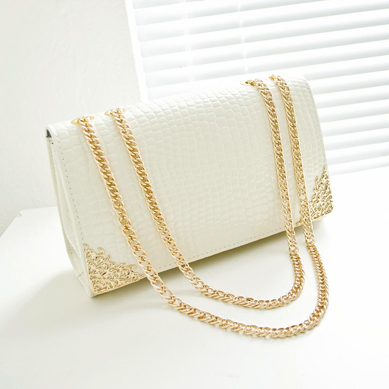 3955609a08 2019 New Summer Trend Women Bag Han Edition Crocodile Lines Handbags Gold  Chain Retro Women Messenger Bags Leather Purse Womens Purses From  Fishmen08