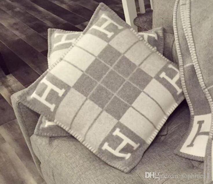 new Letter H Stripe Cushion Luxury Decorative Pillow for Sofa Car Throw Pillow Home Decor Art 45*45cm