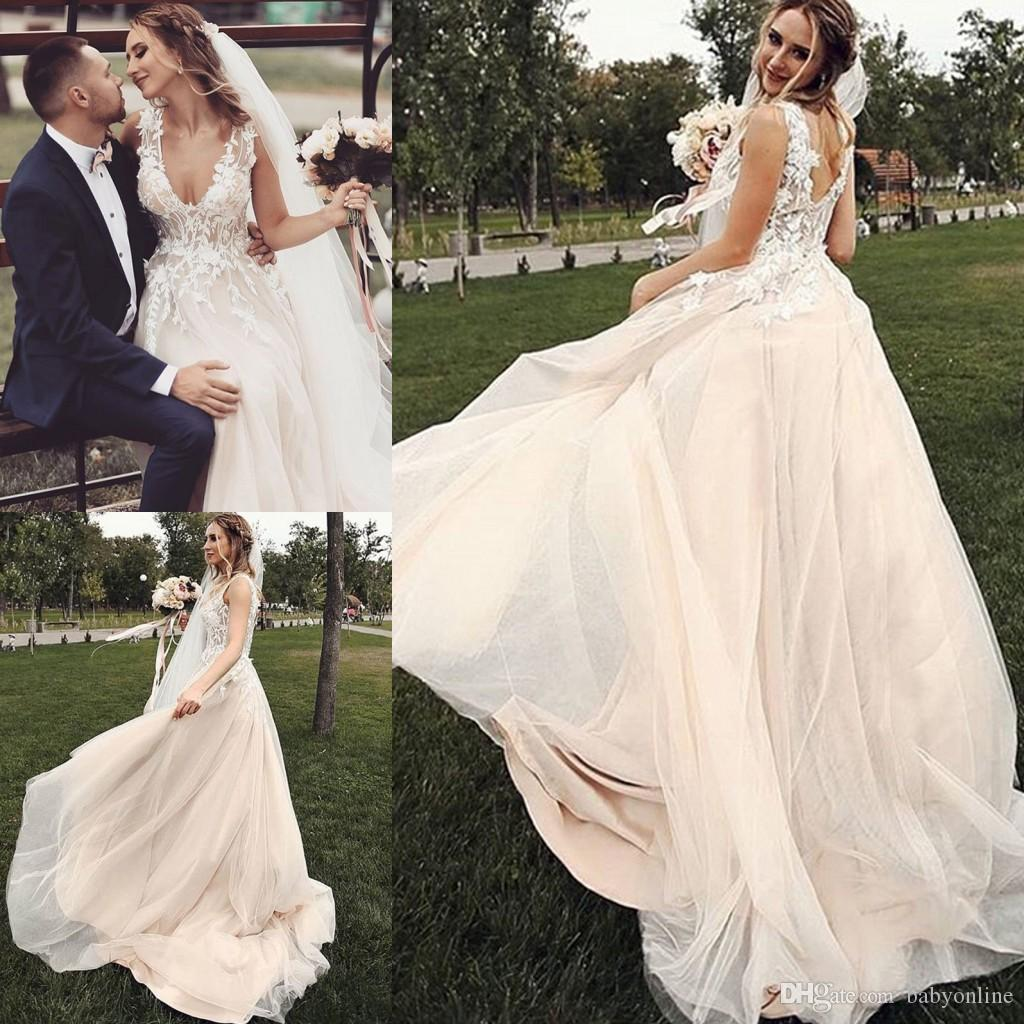 Western Country Champagne Bohemian Wedding Dresses 2020 New Backless Appliqued V Neck Tulle Long Boho Beach Garden Bridal Gowns Plus Size