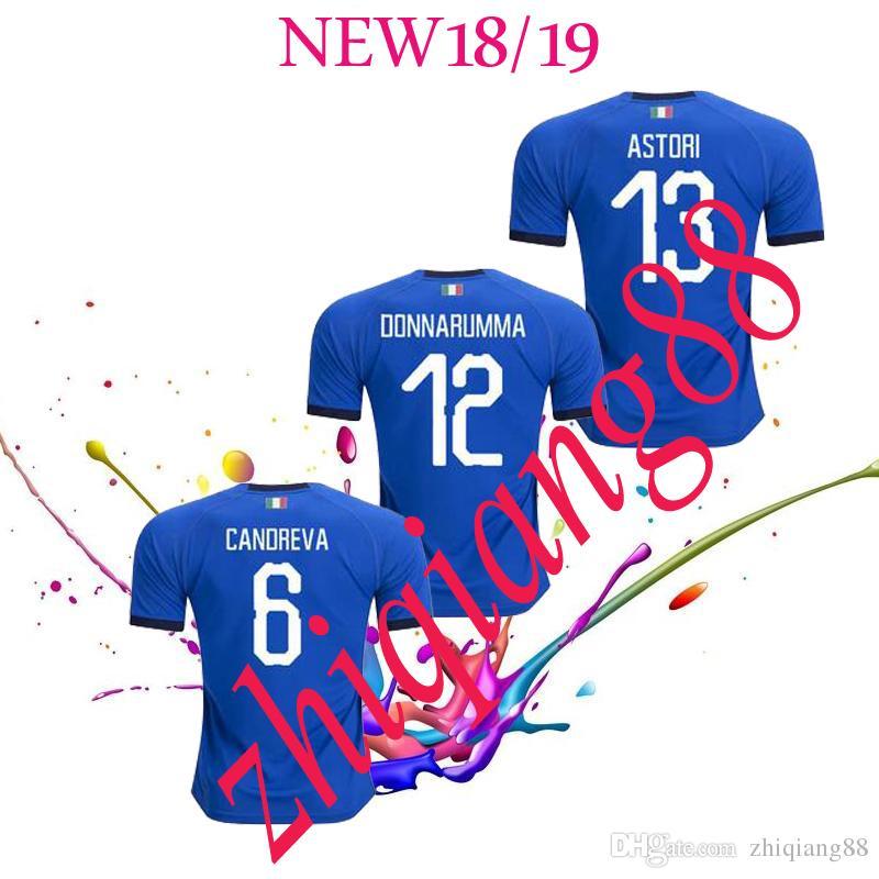 c46c8f95c5 Compre 2018 Taça Do Mundo Itália Casa Azul Camisas De Futebol Italiano  VERRATTI Totti 10 PIRLO 18 Buffon Jerseys Uniforme Adulto De Zhiqiang88