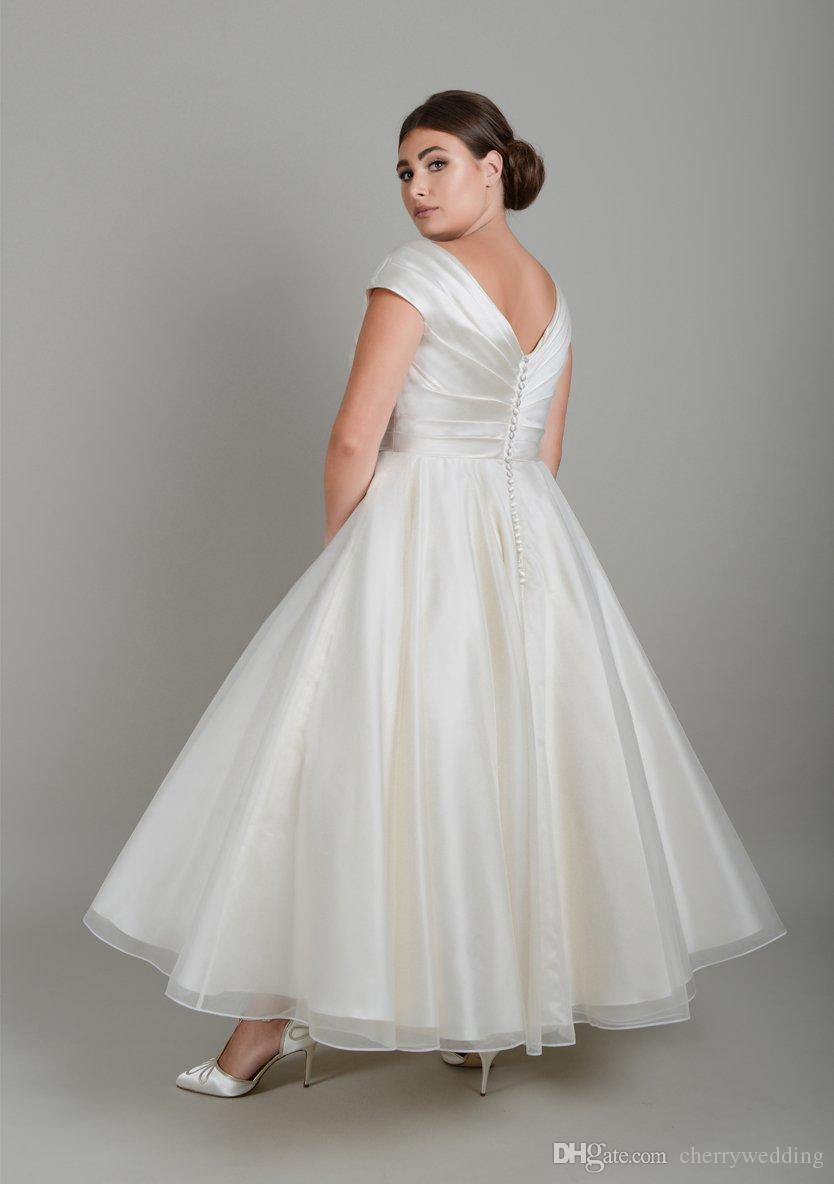 Discount For Curve And Plus Size Brides Pleated Satin Wrap Bodice Wedding Dress Knee Length Dresses Sw0042 Collection: Plus Size Black Rockabilly Wedding Dresses At Reisefeber.org