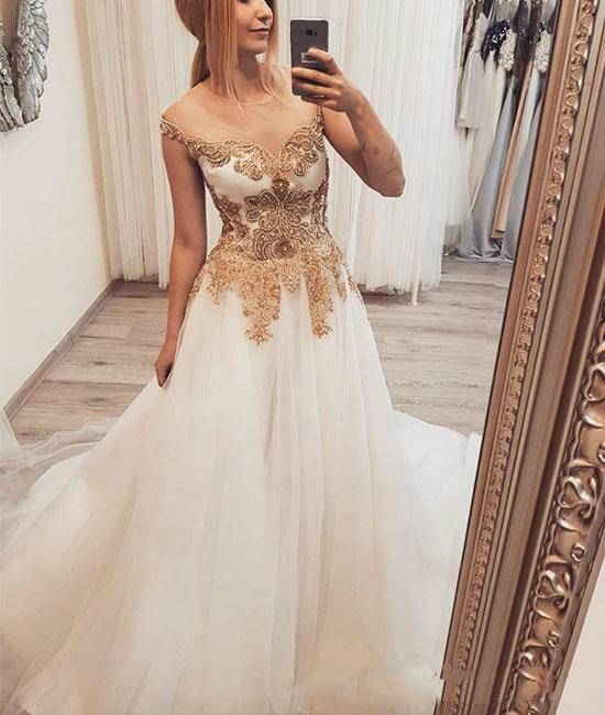 Elegant Long Prom Dresses With Gold Lace Appliques 2019 Sheer Neck A Line  Tulle Party Gowns Evening Wear Dress Shop Formal Dresses Online From  Honeydresses 483ccbe77