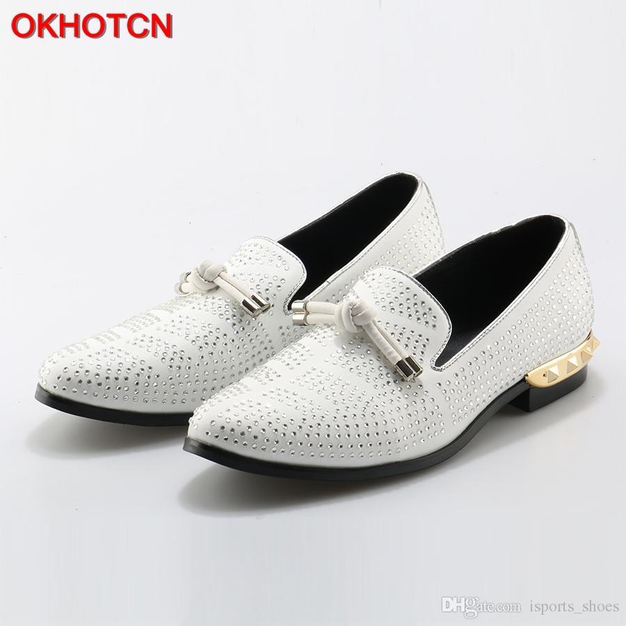 f28cc90998 Compre OKHOTCN Sapatos De Couro Genuíno Dos Homens Rhinestone Studded Sapatos  Casuais Mocassins De Cristal Mens Vestido De Festa Alpercatas Flats    129630 ...