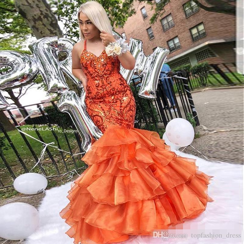 2019 Arancione Halter Prom Dresses Paillettes Mermaid a file in organza Gonna lunghezza pavimento paillettes Appliqued Plus Size Custom Made Long Evening Gown
