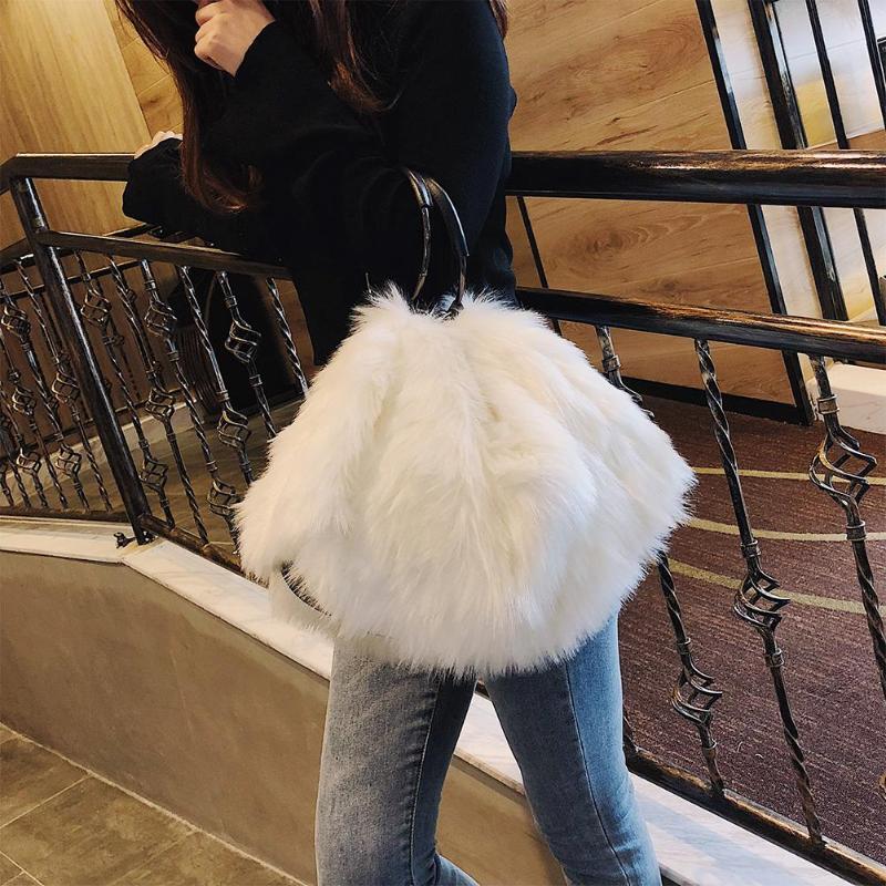 Süße Mädchen Weiche Schwarz Weiß Handtaschen Kunstpelz frauen Tragetaschen Große Kapazität Abend Party Handtasche Reise Schulter Handtasche