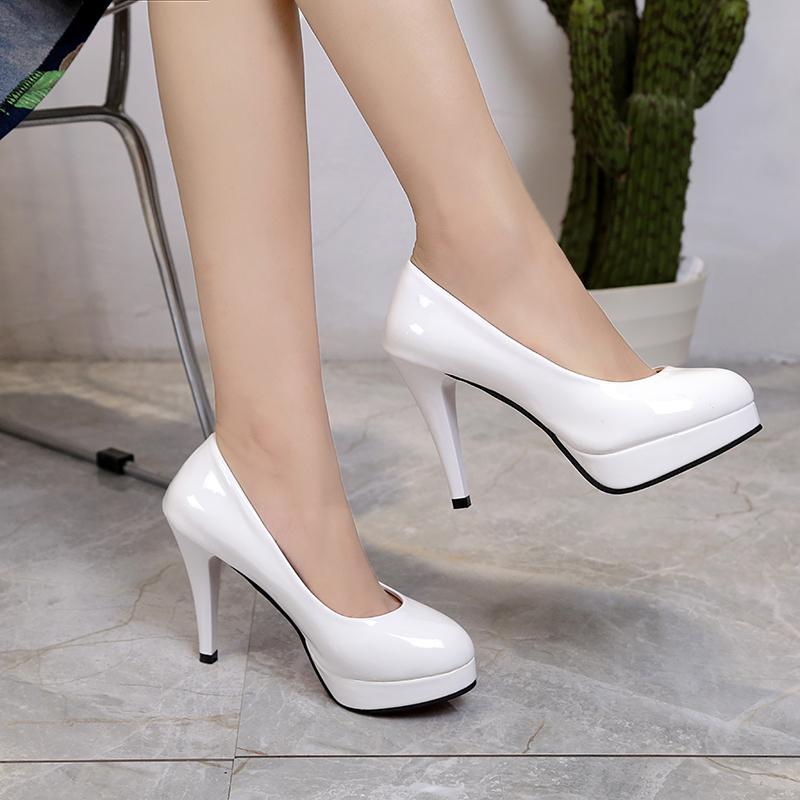 c587d99f043be Compre Zapatos De Vestir De Diseñador Nueva Plataforma De Charol De Moda  Europea Y Americana. Tacones Altos De 7 Cm. Boca Salvaje.