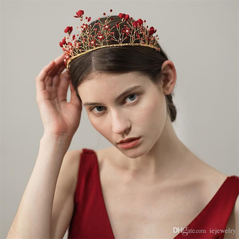 Compre Boda Nupcial Flor Roja Corona Diadema Tiara Cristal Rhinestone  Accesorios Para El Cabello Joyería Tocado Tocado Barroco Ornamento Wearthy  Oro A ... 8319c46d52e5