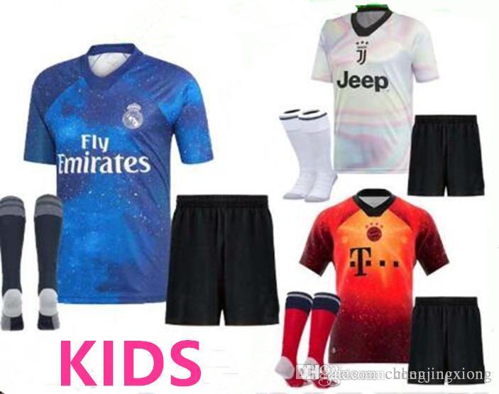 Compre 2019 Edición Especial Kit Infantil Real Madrid Bayern Munich  JUVENTUS Niño FÚTBOL JERSEYS CAMISETA FORMACIÓN RONALDO RASHFORD CAMISAS  ESPECIALES A ... a4af7be34d960