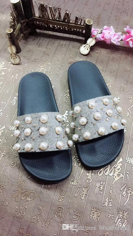 82eb1280b Mens Womens Fashion Pearl Effect And Goldtone Stud Trim Rubber Slider  Sandals Boys Girls Unisex Beach Causal Slippers Red Shoes Wedge Sandals  From ...
