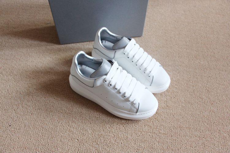 Designer Noctilucent white black leather casual shoes reflective for girl women men fashion comfortable flat shoes 35-46