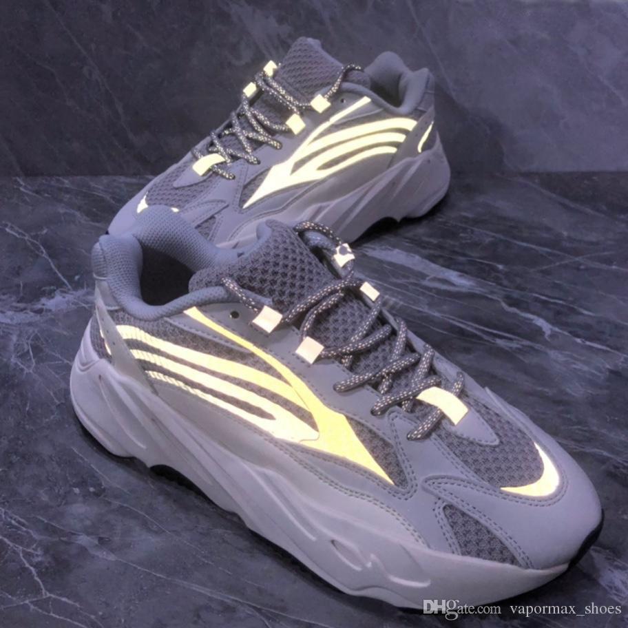 buy popular 55e88 cbb41 2019 700 3M Static Running Shoes Designer For Men Women 700s Trainers  Sports Sneakers Designer Women Running Shoes Pink Gray Black With Box