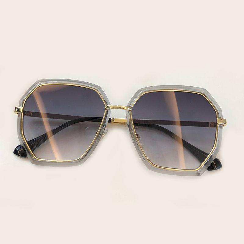 b2737fdb83a61 Compre Alta Qualidade Mulheres Quadrados Óculos De Sol 2019 Moda Designer  De Marca De Luxo Liga Quadro Óculos De Sol Oculos De Sol Feminino Com  Embalagem De ...