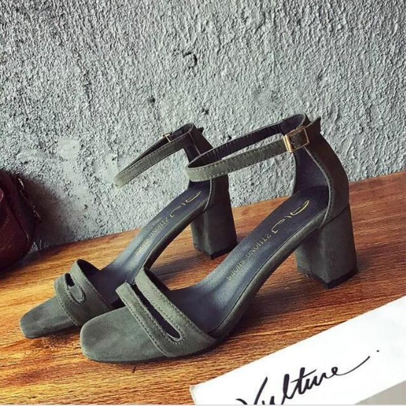 5d9cd1e6 Compre Zapatos De Vestir De Diseñador 2019 Nueva Moda De Verano Bombas De  Las Mujeres Hueco Tacones Altos De La Mujer Sexy Tacones Gruesos Sandalias  ...