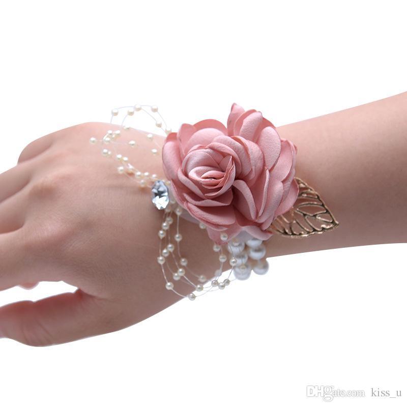 9d7108e52bf0 Rosas de seda Muñeca blanca Ramillete Flores de muñeca para damas de honor  Flor pulsera Rosa azul nupcial Hermanas Accesorios de boda
