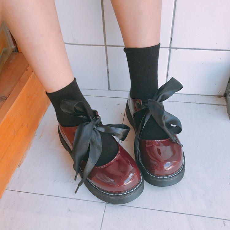 9d2c8ff77 Compre Overseas2019 Irmã Círculo Cabeça Vento Lolita Restaurar Antigas  Formas Pequenos Sapatos De Couro Mulher Mary Jane De Boca Rasa Verão Único  Sh De ...