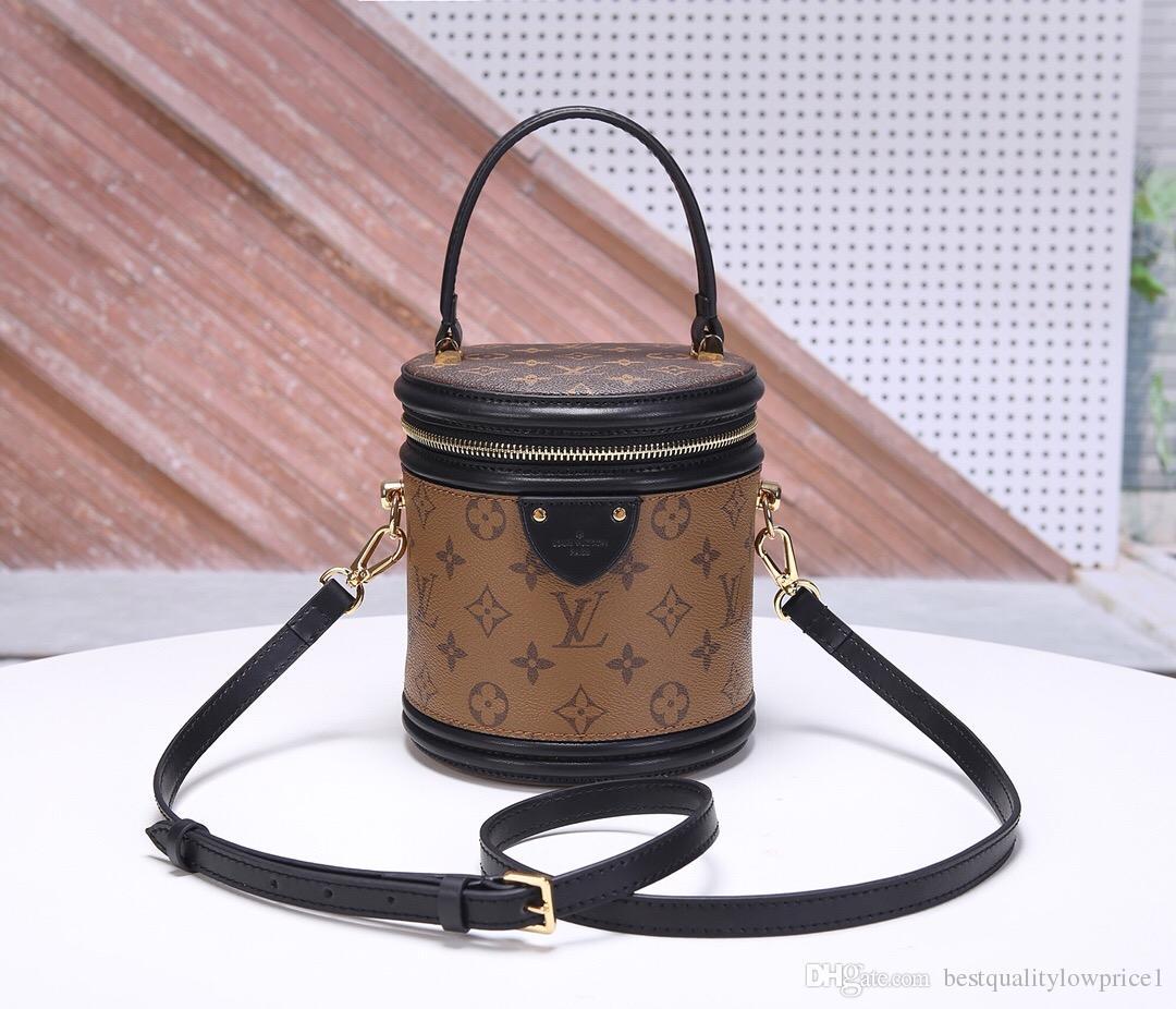 6e3105acf142 2019 Hot Fashion Men's And Women's Messenger Bag Messenger Shoulder ...