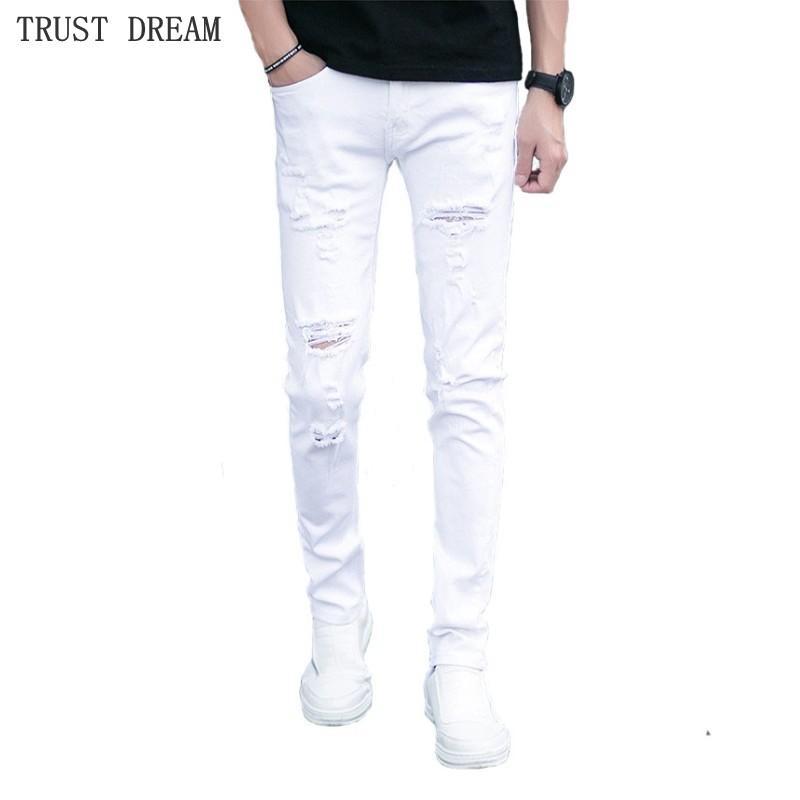 35b93f9bb 2019 Nueva primavera verano hombre delgado blanco rasgado agujeros Jeans  hombres diseñador Skinny Denim pantalones masculinos Street Wear Quatliy ...