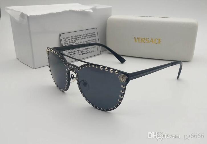 155cc71083 Compre Hombres Libres Del Envío Gafas De Sol Actitud Buena Mejor Remaches  Gafas De Sol Cuadradas En Lentes Hombres Gafas De Sol Negro Brillante Nuevo  Con ...