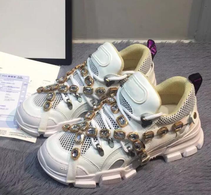 f0a331d29 Compre 2 Regalos De Navidad `019 Nuevos Zapatos Con Cinturón De Diamantes De  Diseño Zapatos De Cuero Completos, Botas De Trekking Con Cordones, ...