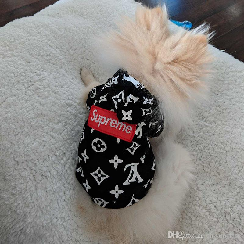 Designer Brand Pet Dog Cat Hoodies Fashion Logo Lovely Teddy Puppy Schnauzer Dog Apparel Fashion Pet Outwear Clothing Dog Supplies