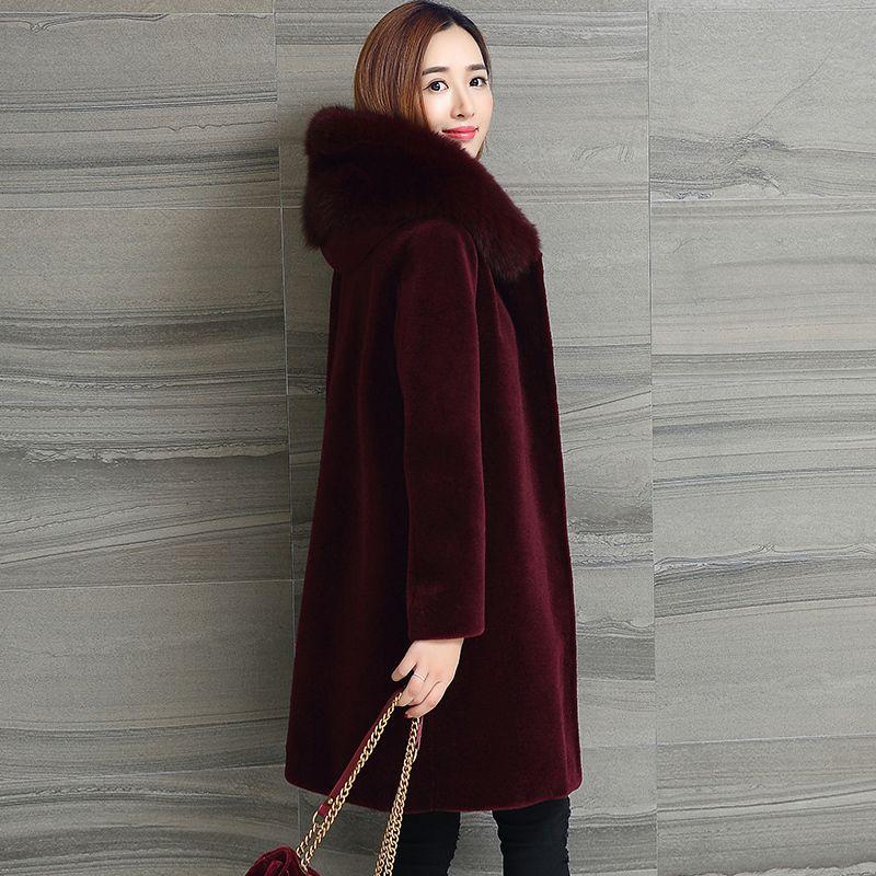 66e7f20506c2b Women s Fur Coats 2018 Winter New Sheep Shearing Fur Coat Fox Hooded  Windbreaker Warm Long Overcoat Plus Size S-5XL Faux Fur Cheap Faux Fur  Women s Fur .