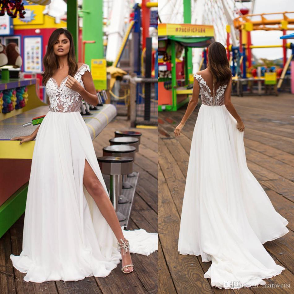 1d588dd5a Compre Milla Nova 2019 High Side Split Vestidos De Novia Apliques De Encaje  Con Cuentas Sheer Cuello Vestidos De Novia País Bohemio Boho Gasa Vestido  De ...