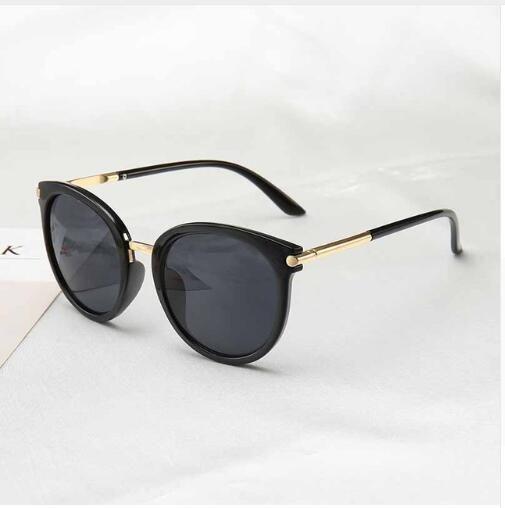 2cdab7984a Compre 2019 Nuevas Gafas De Sol Para Mujer Espejos Retrovisores Vintage  Para Mujeres Lente Plana Reflectante Gafas De Sol Mujer Gafas UV400 A $4.19  Del ...