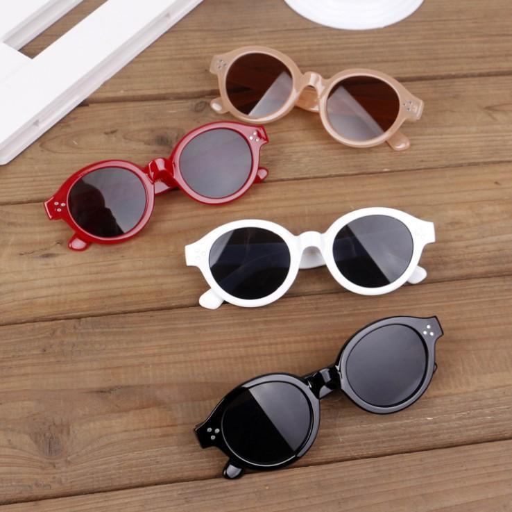 06100be835 Compre Moda Para Niños Gafas De Sol 2019 Nuevos Niños Niñas Gafas De Sol  Niños Playa Gafas Niños Diseñador Adumbral Vacaciones Bloqueador Solar  Gafas De Sol ...