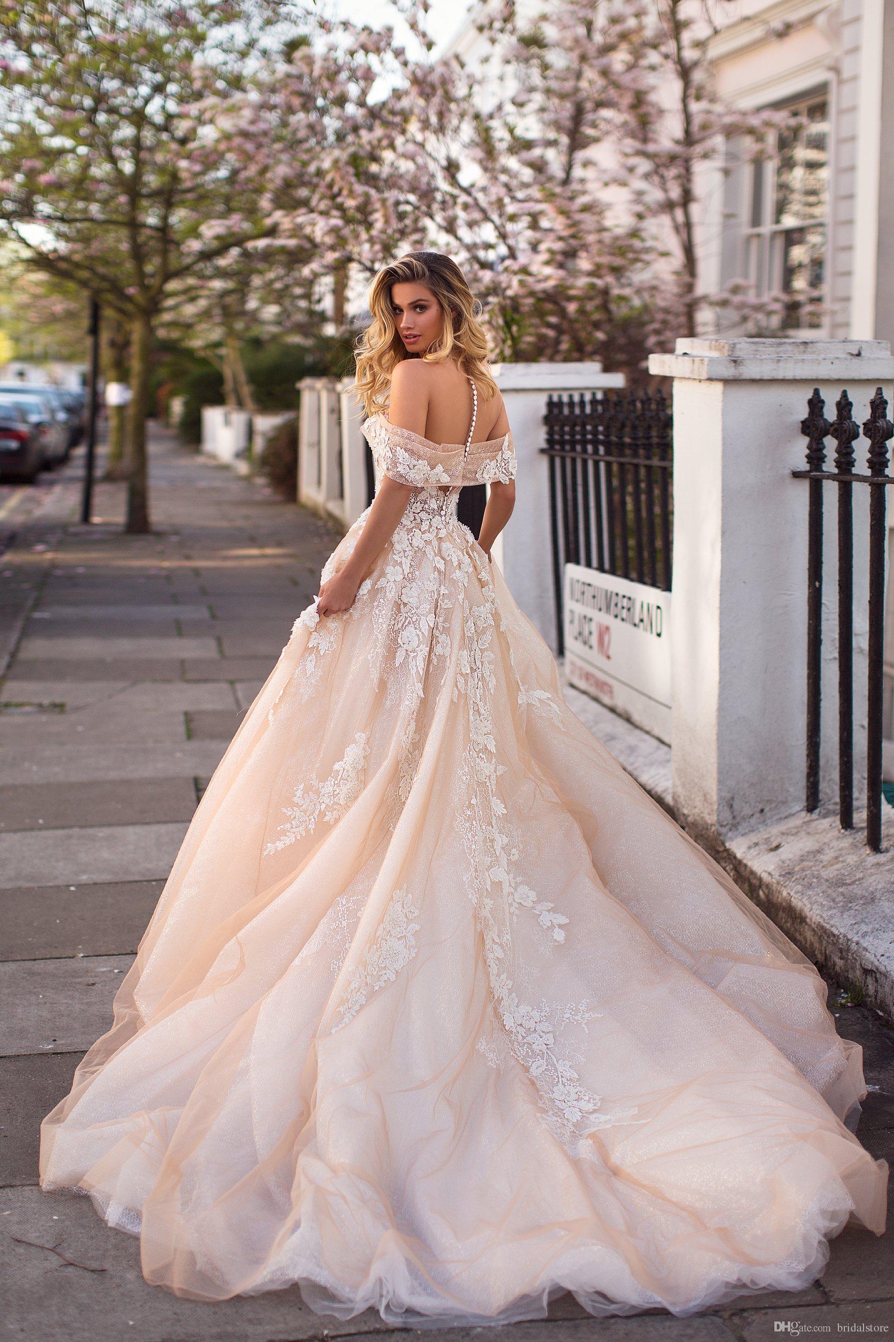 Discount Elegant Champagne Wedding Dresses
