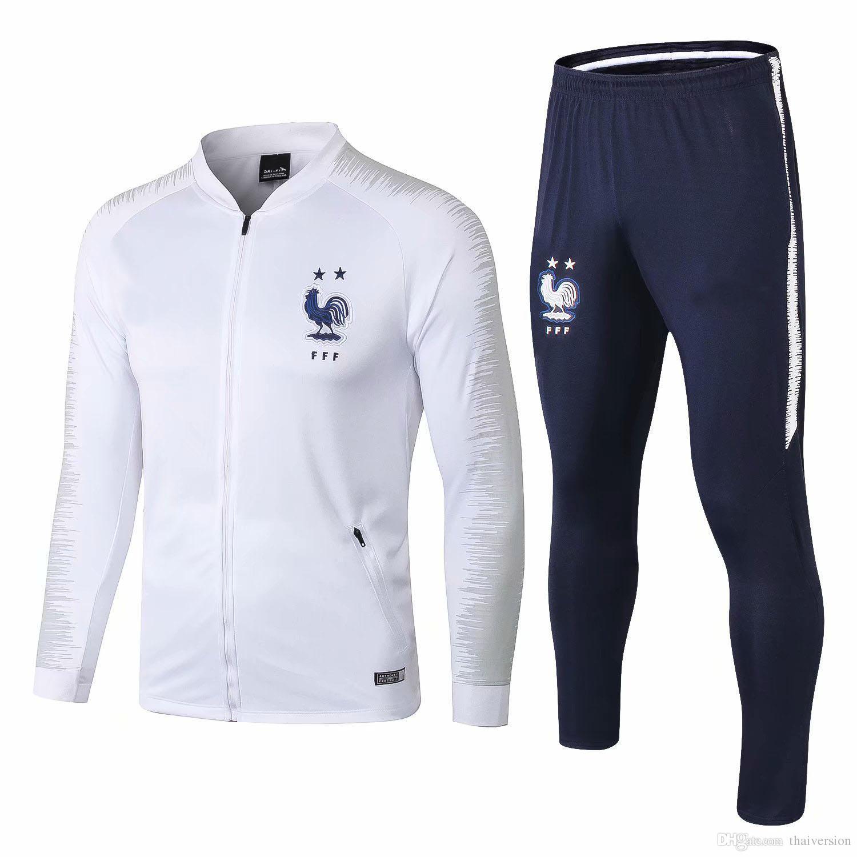 Как выбрать тренировочный костюм для футбола