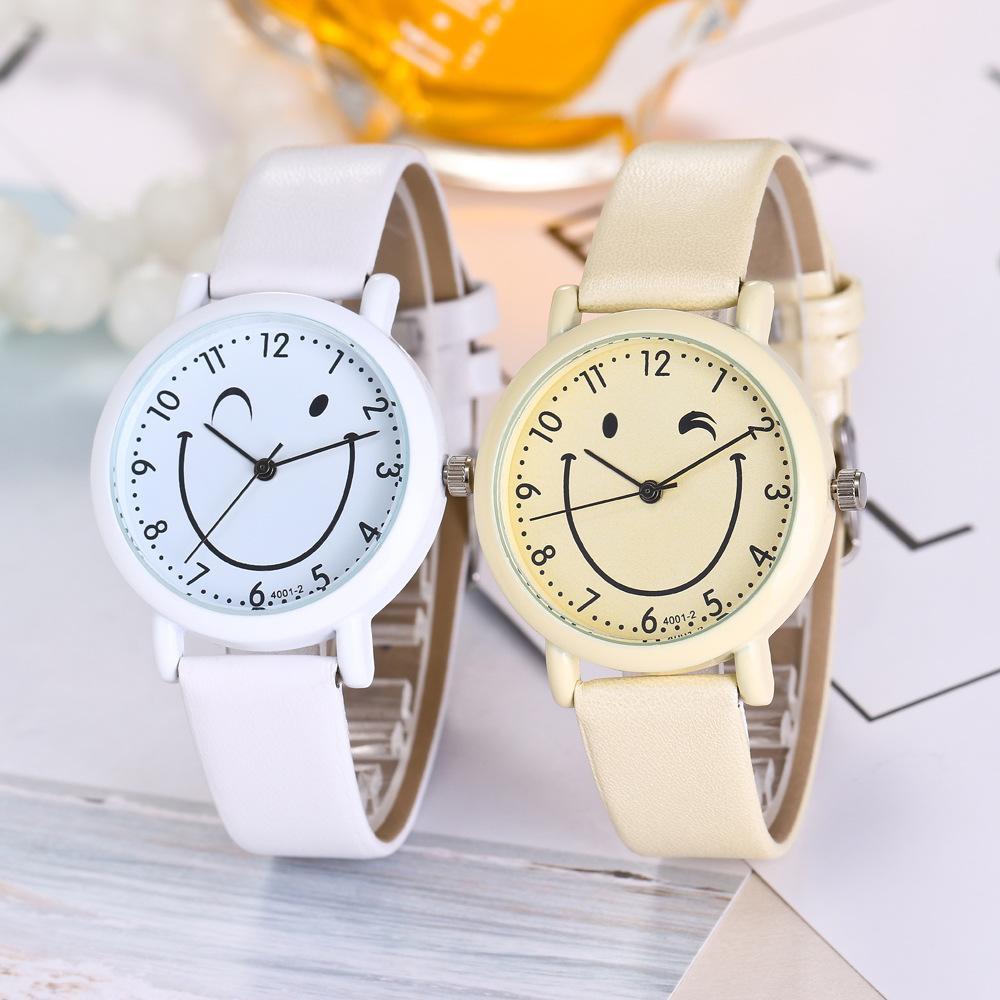 be13b4726aca Compre 2019 Nuevos Relojes De Moda Para Mujer Reloj De Cuarzo De Dibujos  Animados De Alta Calidad A  12.49 Del Ycwatchstore