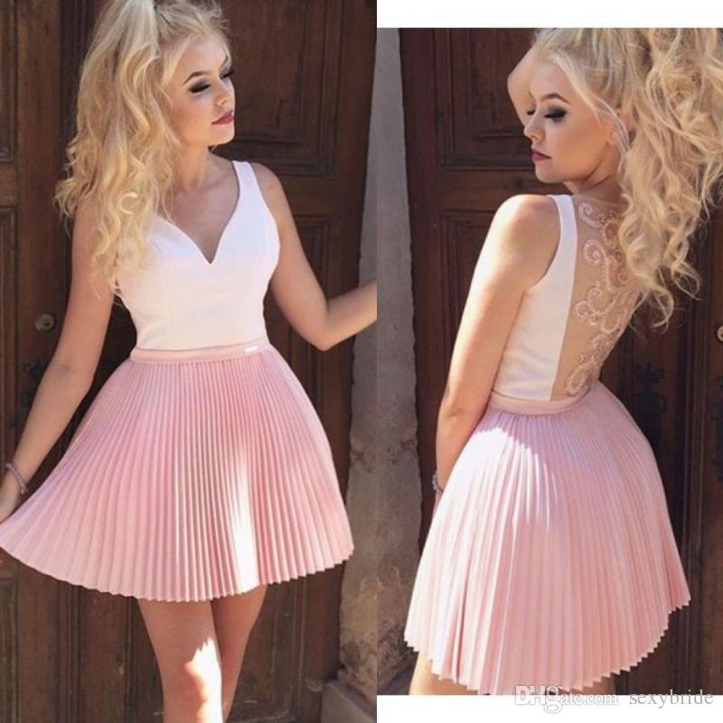 406250d7ee Compre Simple Pliegues Cortos Vestidos De Fiesta De Color Rosa Una Línea  2019 Moda Volver Bordado De La Escuela Secundaria Vestidos De Fiesta  Vestidos De ...