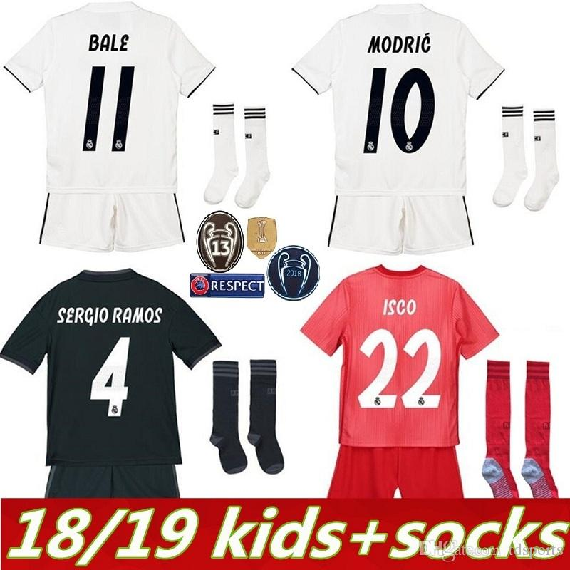 2019 2019 Real Madrid Kids Kit Soccer Jersey 2018 19 Home White Away 3RD  Red Boy Child Youth Mariano ISCO BALE KROOS Football Shirts From Tdsports 57b976acf