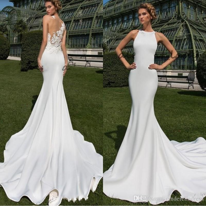 2019 Sexy Beach Matte Staining Mermaid da sposa Abiti da sposa Sheer Back con abito da sposa all'aperto in pizzo floreale con motivo floreale in cristallo 3D