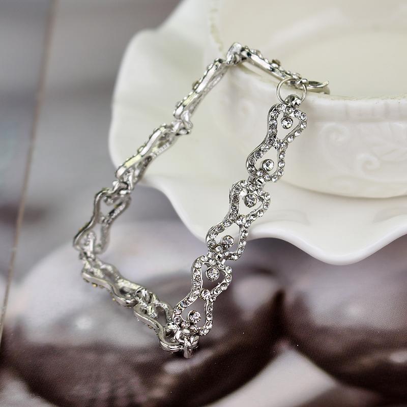 Braccialetto di fascino delle donne The Vampire Diaries Klaus Caroline Forbes Strass Crystal Bow Shine BangleBracelet Gioielli di moda