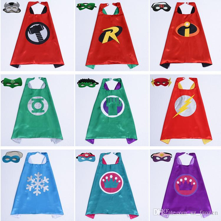 101 Arten Double Side Cape und Maske 70 * 70 cm Cartoon Cape mit Maske für Kinder Weihnachten Halloween Party Cosplay Cape Kostüme
