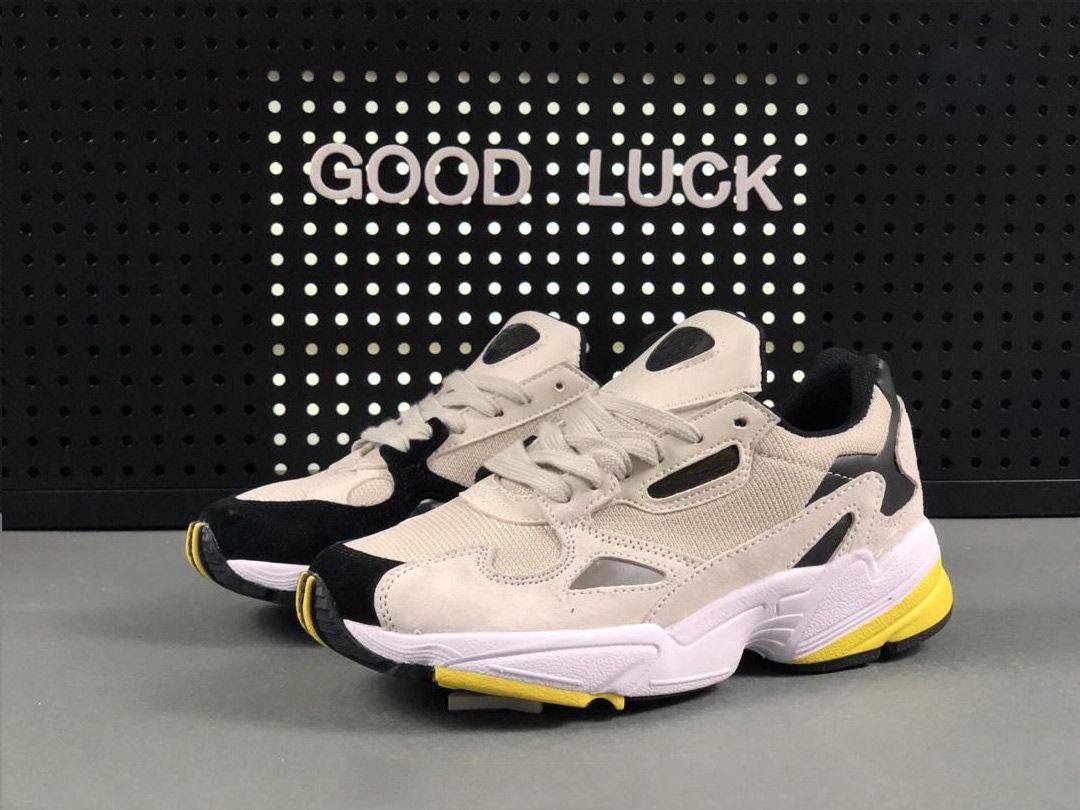 best website 9269a 778c1 Compre ADIDAS FALCON W Running Shoes 2019 NUEVOS Zapatos De Hombre Y Mujer  FALCON W De Alta Calidad, Zapatos De Moda, Zapatos US 5 10 A  37.57 Del ...