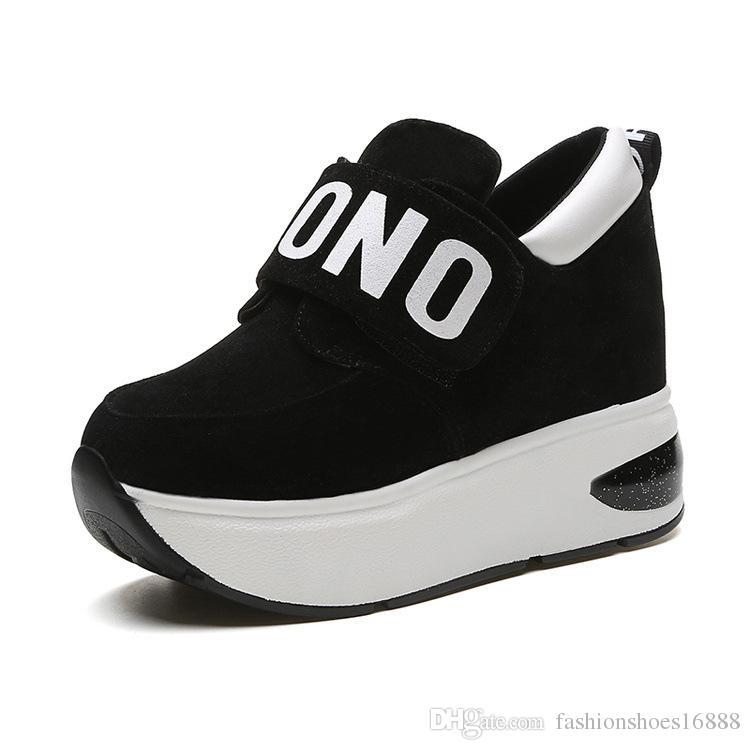 1a8f55728 Compre Plataforma De Salto Escondido Sneakers Mulheres Moda Leve  Confortável Vulcanize Sapatos Altura Crescente 9 CM Cunhas Casuais Sapatos  Para As Mulheres ...