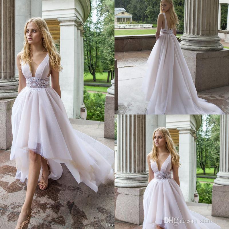61e6685fc32 Nurit Hen Modest Hi Low Wedding Dresses Bohemian Garden Low Back V Neck  Lace Appliqued Bridal Gowns Fitted Wedding Dress Boho Pleats Ruffles  Vintage Lace ...