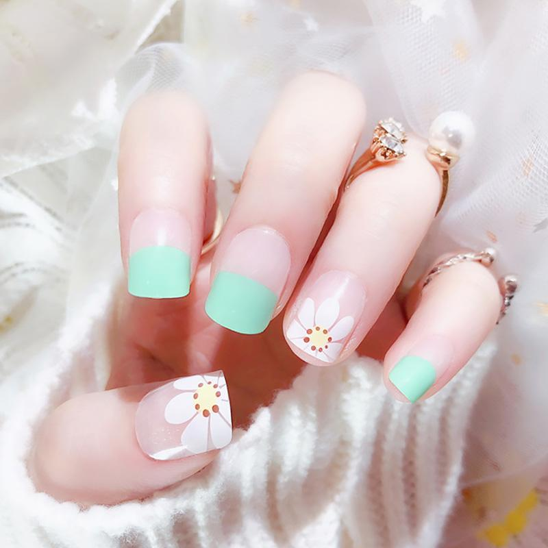 Short Square Full Cover False Nails Girls Summer Small Fresh Nail Art Tips  With Glue Women Korean Style White Flower Fake Nails
