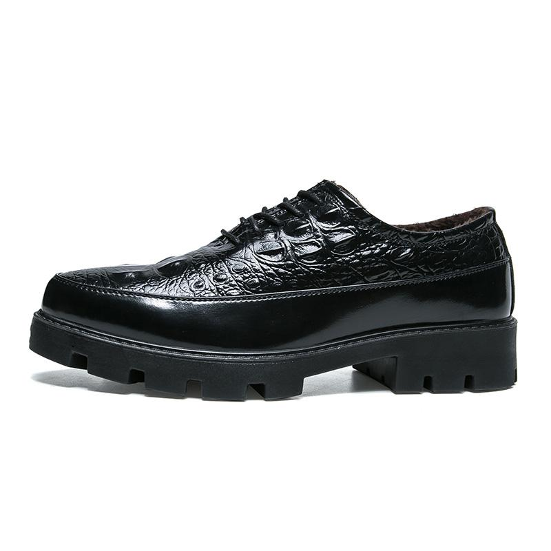 ae635611c1 Compre 2019 Nuevos Zapatos De Moda Para Hombre Zapatos De Algodón Juvenil  Tendencia Gruesa Sólido Más Zapatos De Algodón Zapato De Cuero 38 44 Yardas  Envío ...