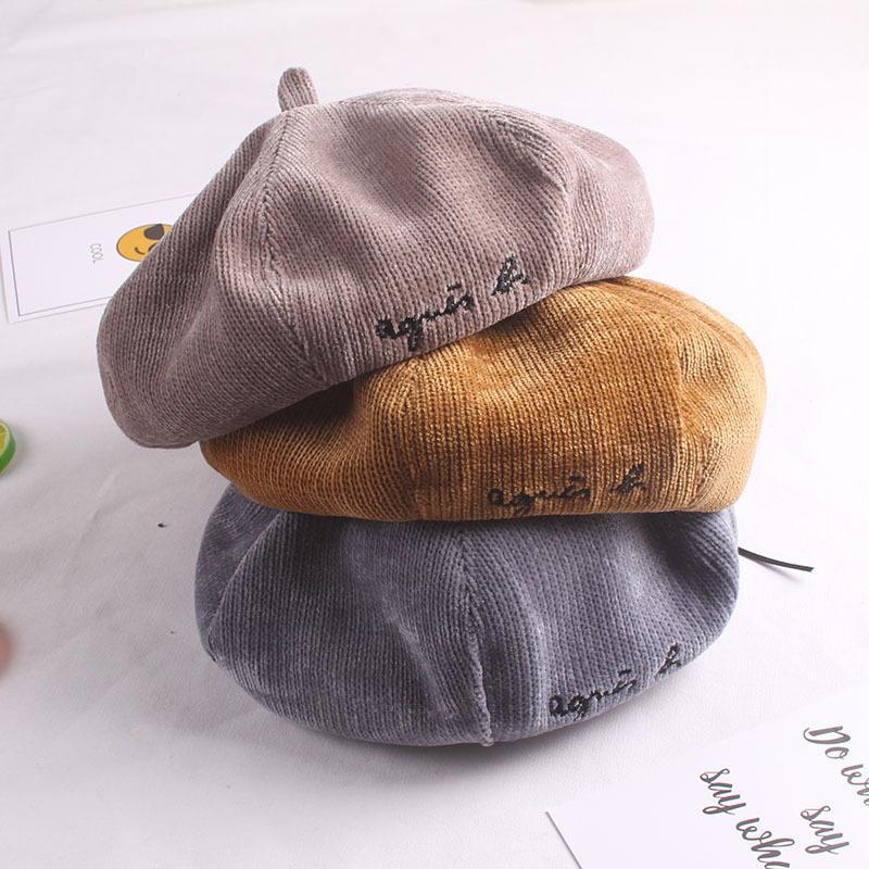 Compre Otoño Sombreros De La Boina Para El Bebé Y La Madre Vintage Invierno  Sombreros De La Boina Para Las Mujeres Bordado Carta De Lana Octogonal  Gorras ... 9e4116b32f7