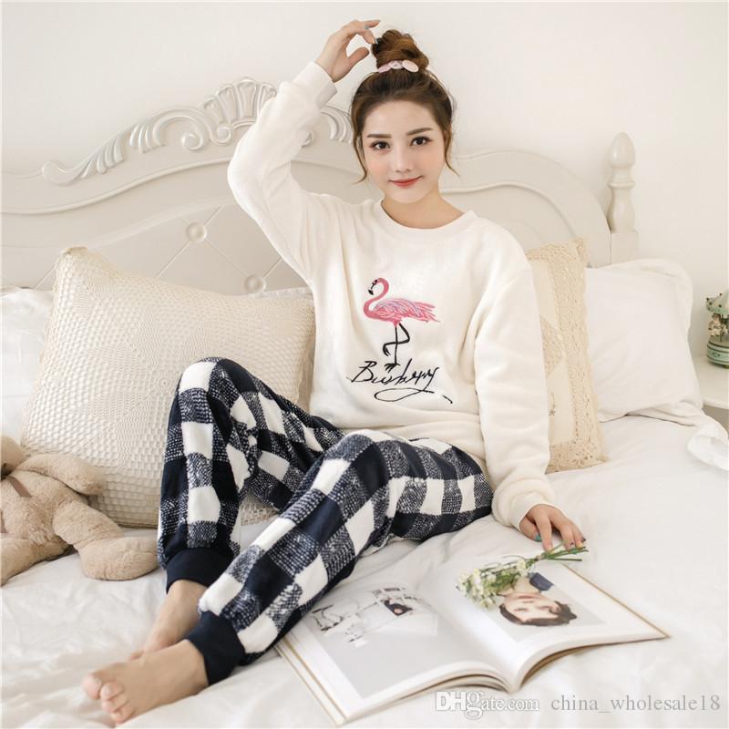 457d23b8a Compre Atacado Mulheres Pijama Set Feminino Inverno Grosso Flanela Pijama  Sexy Rose Imprimir Mulheres Quentes De Inverno Conjunto De Pijama De Manga  Longa ...
