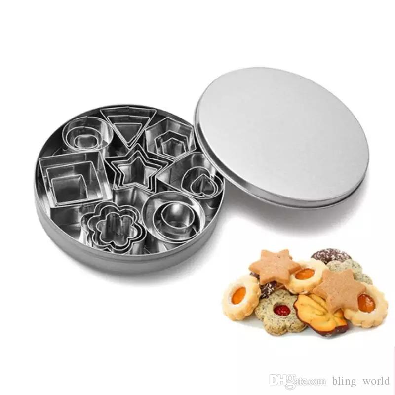 Cookie Mould Stainless Steel Mini Cookie Cutter Set Biscuits Baking Pastry Cutter Slicer Molds 24pcs Kitchen Tools Mold Bakeware YFA713
